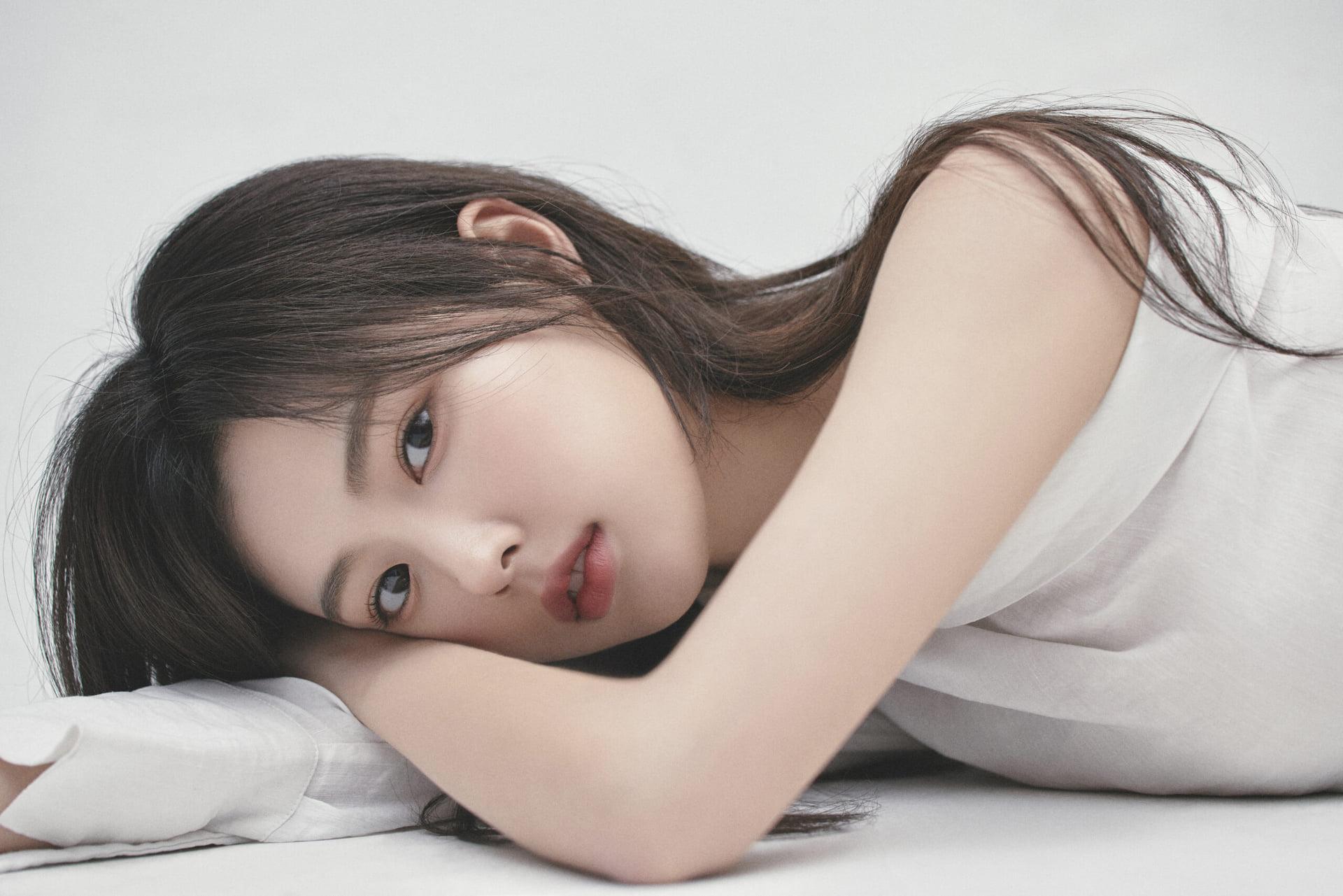 3 visual của IZONE: Kang Hye Won lên đời nhan sắc, Min Ju bị chê đờ đẫn - 5