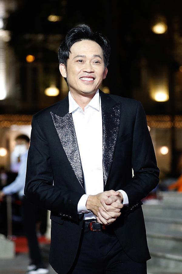 Hoài Linh.