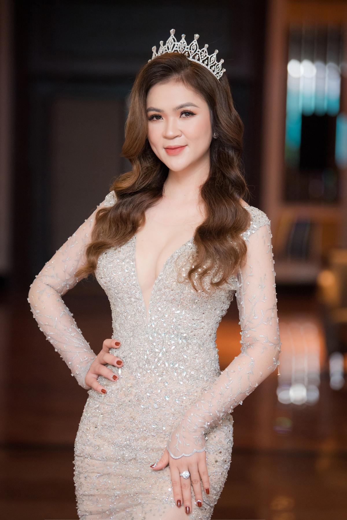 Nữ hoàng trang sức 2009 Diễm Hương.