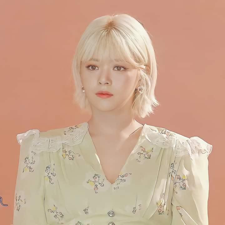 Tzuyu gây bão với lớp make up hoàn hảo, Mina thở ra khí chất tiểu thư - 9
