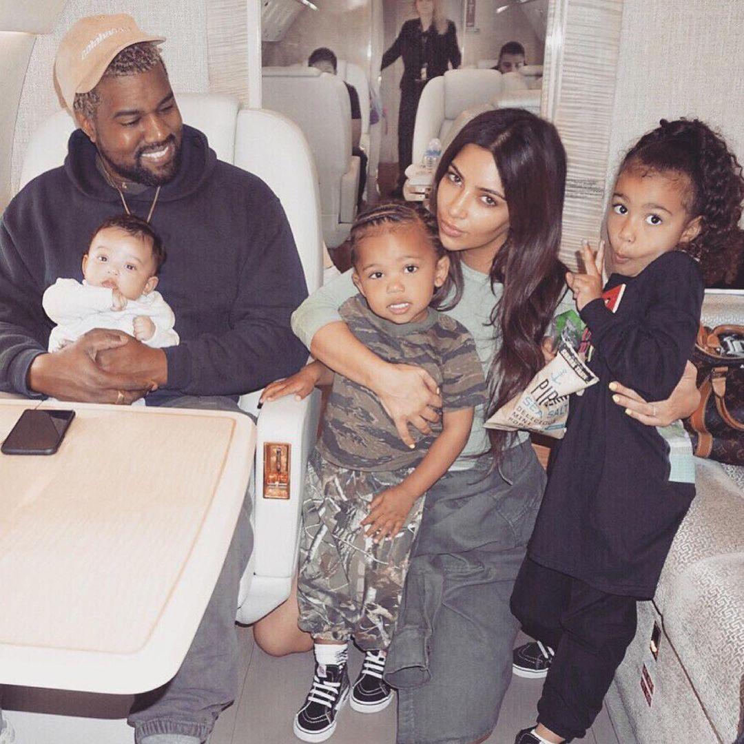 Kim Kardashian nói yêu Kanye West trọn đời dù vừa đâm đơn ly dị