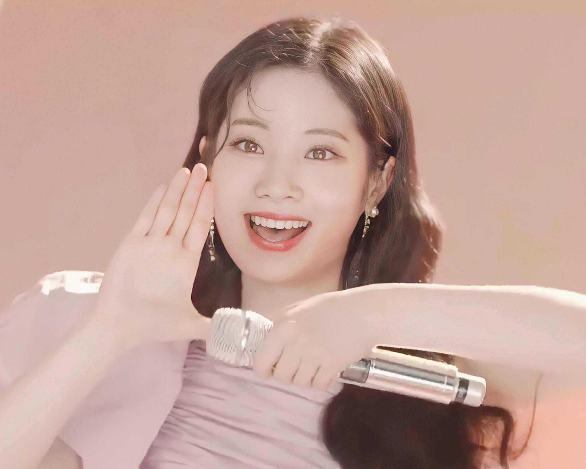 Tzuyu gây bão với lớp make up hoàn hảo, Mina thở ra khí chất tiểu thư - 11