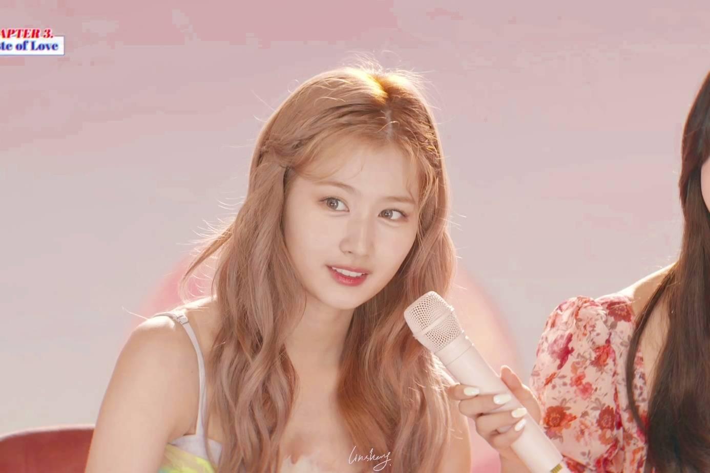 Tzuyu gây bão với lớp make up hoàn hảo, Mina thở ra khí chất tiểu thư - 13