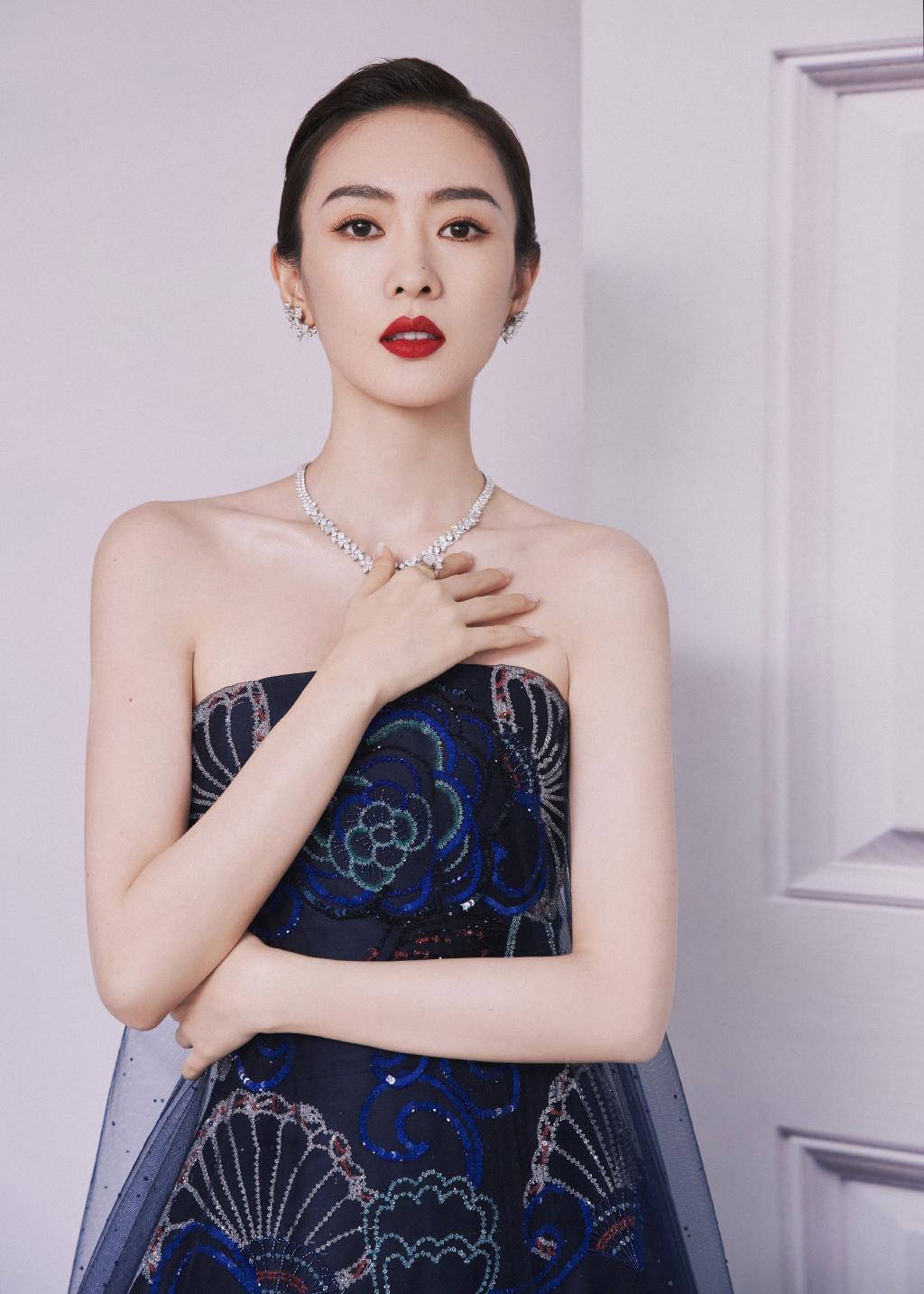 Đồng Dao là gương mặt quen thuộc tại các giải thưởng danh giá nhờ vai diễn cực ấn tượng trong 30 chưa phải là hết.