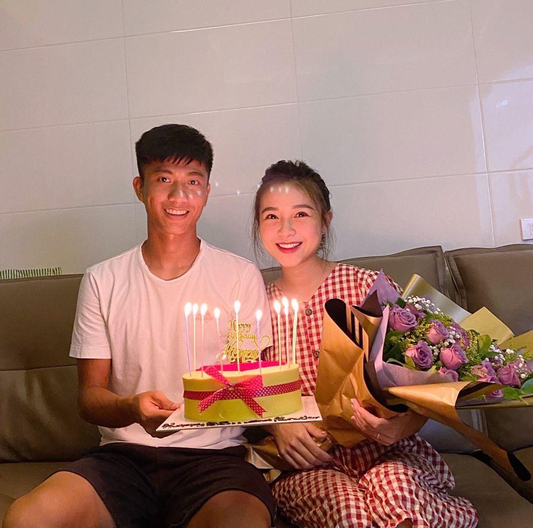 Vợ Phan Văn Đức ghen tỵ vì cái ôm chồng dành cho Tuấn Anh - 1