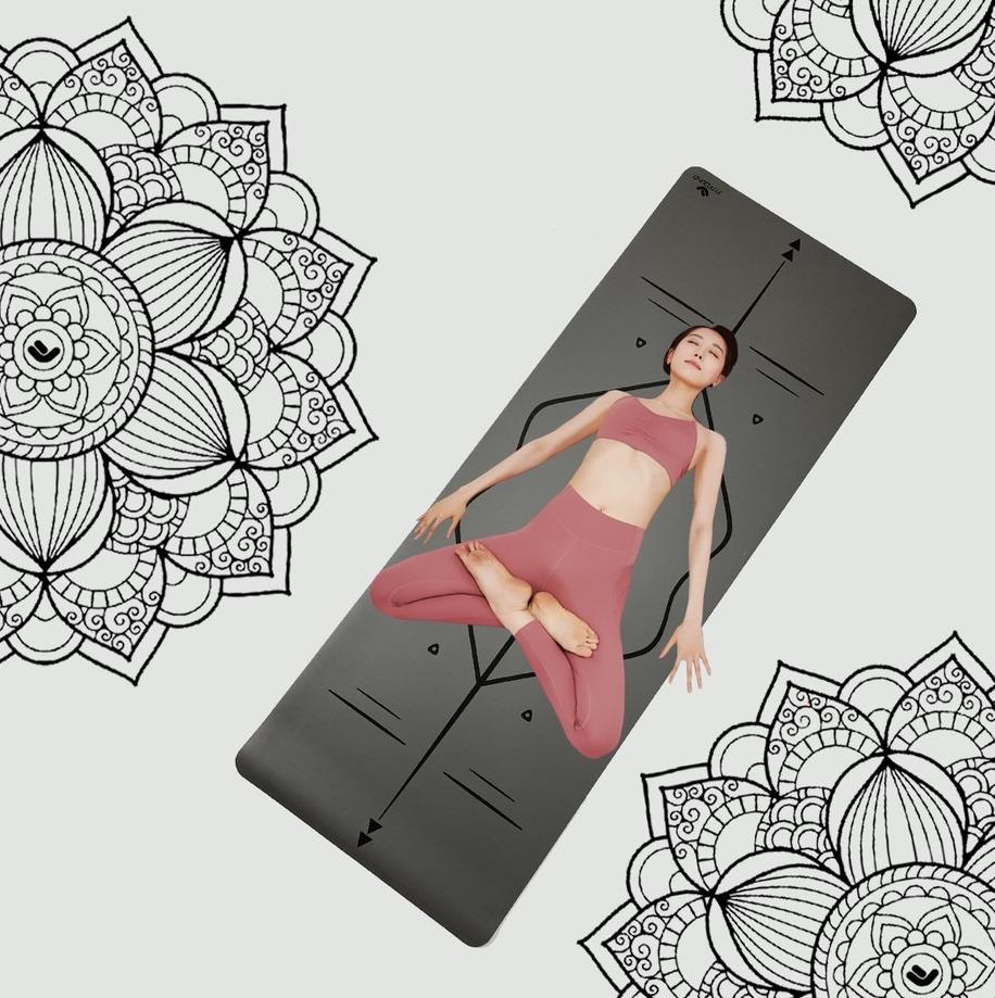 Thảm yoga Fitfound trên Shopee làm từ chất liệu thân thiện môi trường, chống trơn trượt kèm hệ thống định tuyến giúp thực hiện các động tác chuẩn hơn. Sản phẩm hiện có giá giảm đến 40%, chỉ 599.000-699.000 đồng.