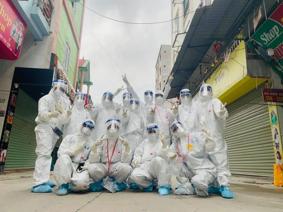 Thầy vào trò Học viện Y Dược học Cổ truyền Việt Nam đã đặt quyết tâm cao, mong dịch bệnh sớm được kiểm soát.