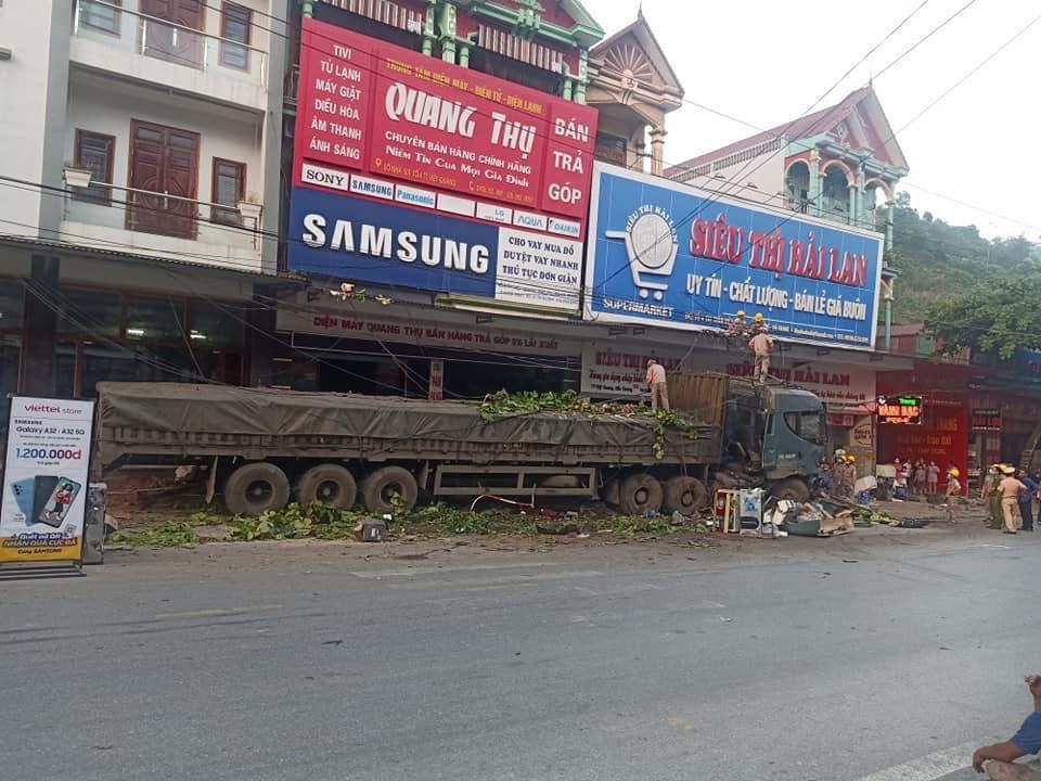HIện trường xảy ra vụ tai nạn.