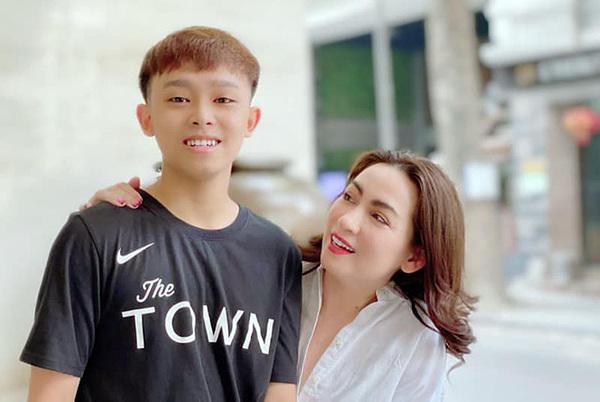 Hồ Văn Cường khẳng định Phi Nhung không ép anh quay clip xin lỗi.