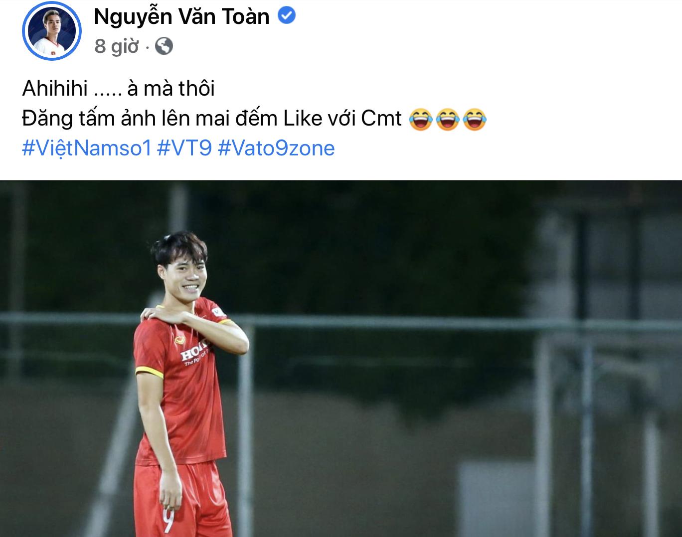 Dàn cầu thủ xả vai sau trận Malaysia và nhận bão like vì quá hot