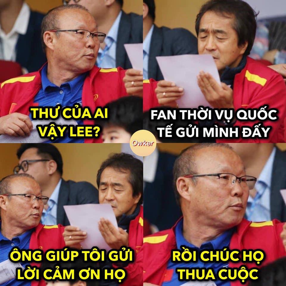 CĐV chế ảnh fan thời vụ các nước gửi Việt Nam trước giờ G