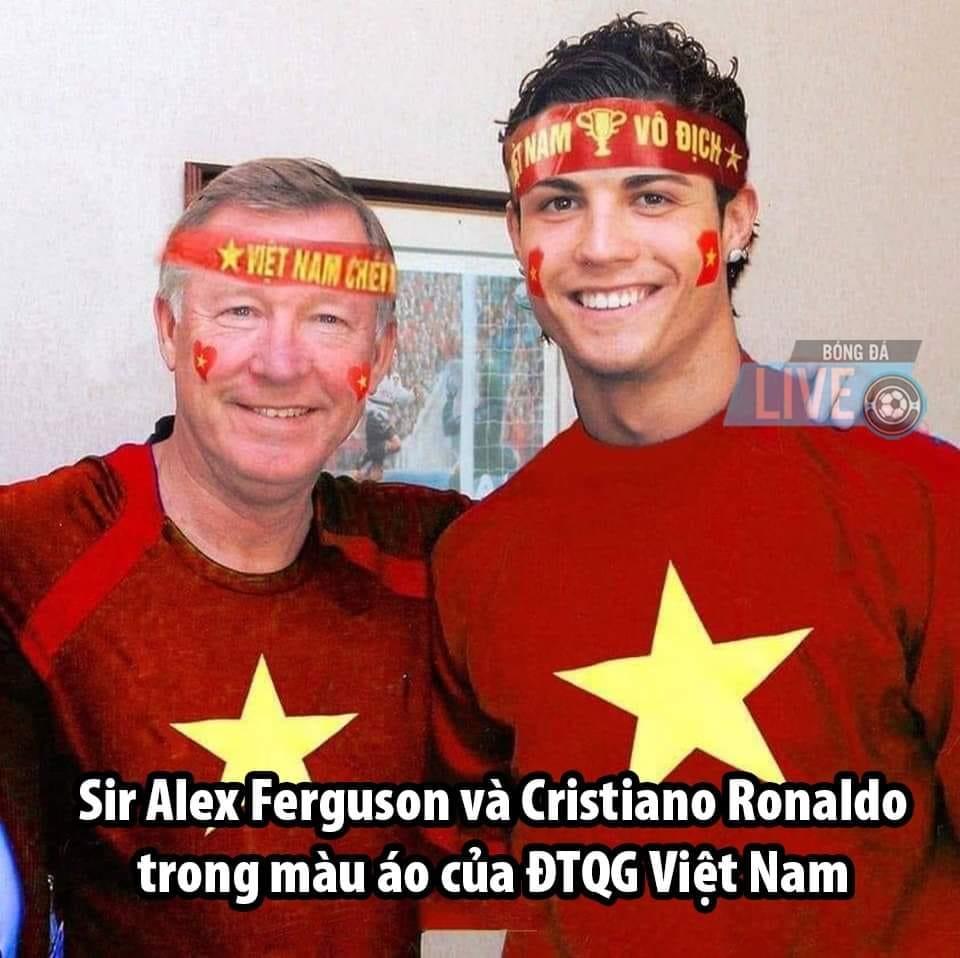 CĐV chế ảnh fan thời vụ các nước gửi Việt Nam trước giờ G - 7