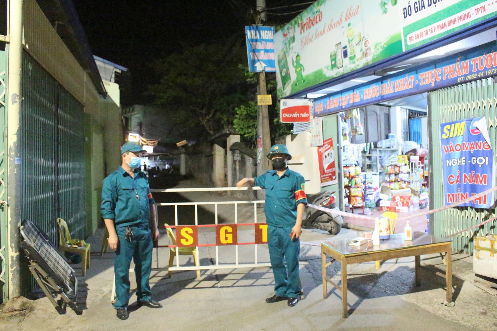 Thái Nguyên lập các chốt kiểm soát, truy vết ngay trong đêm liên quan đến ca dương tính. Ảnh: Đài PTTH Thái Nguyên