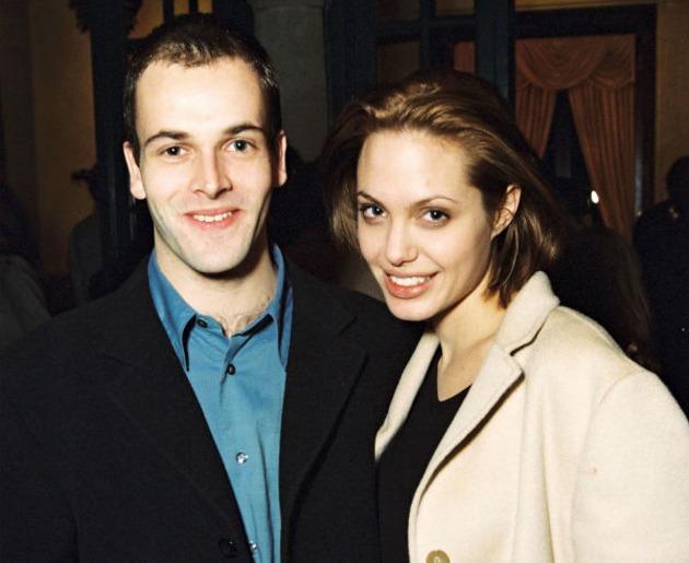 Angelina và Johnny Lee Miller thời trẻ.