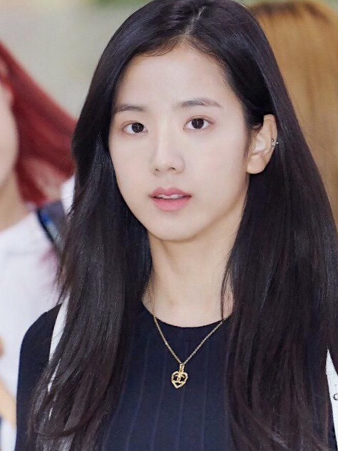 Mặt mộc của Ji Soo gây ngỡ ngàng vì trẻ đẹp hơn cả khi trang điểm - 6