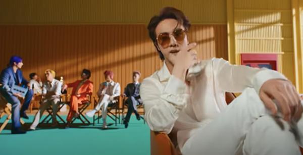 Bạn nhớ từng chi tiết nhỏ trong MV Butter của BTS kỹ tới đâu? - 3