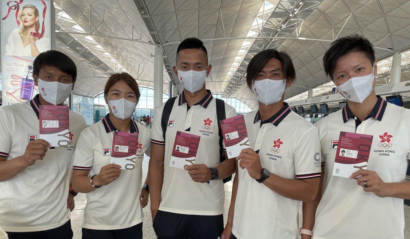 Nhóm vận động viên lướt ván buồm của Hong Kong đến Nhật Bản tham dự Olympic. Ảnh: SCMP.