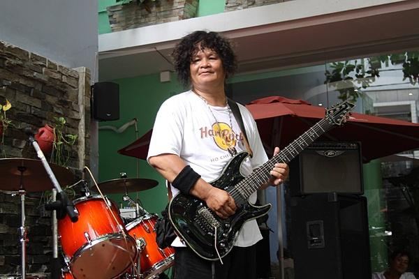 Nghệ sĩ rock Trung Thành Sago.