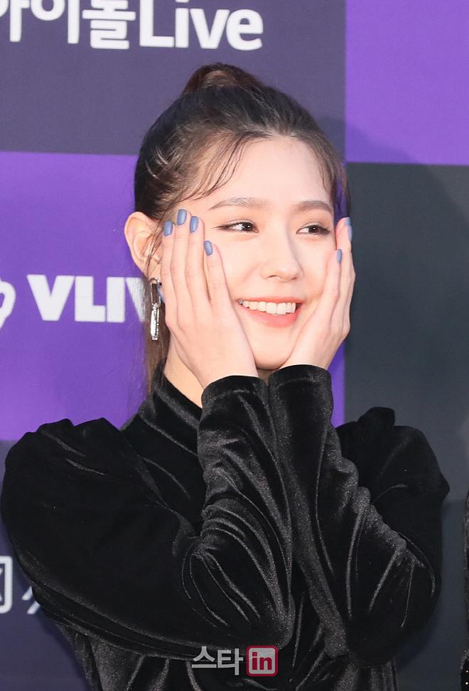 Điểm sáng của Mi Yeon là nụ cười tươi tắn, duyên dáng.