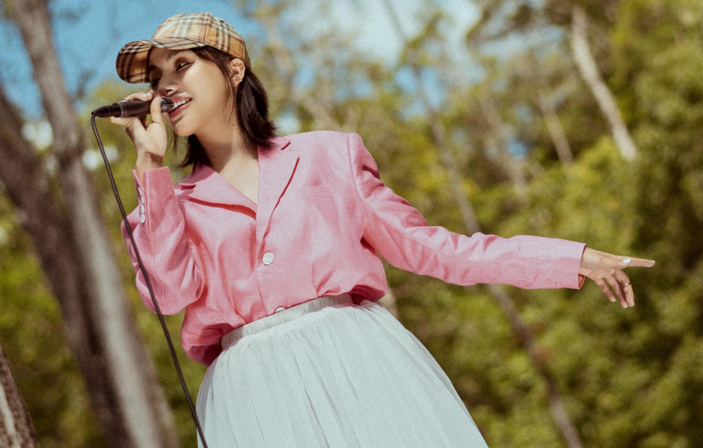 GiGi Hương Giang đầu tư sản phẩm dù chỉ là hát cover.