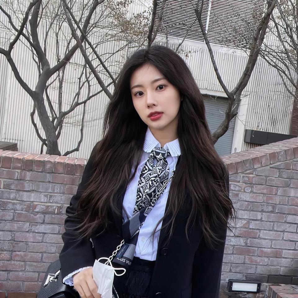 IZONE sau khi tan rã: Sakura toang cơ hội về Hàn, Jang Won Young tụt giảm nhan sắc - 4