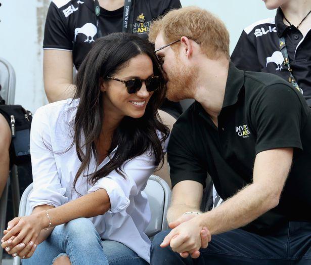 Meghan và Harry thay đổi đáng buồn so với ngày đầu hẹn hò - 1