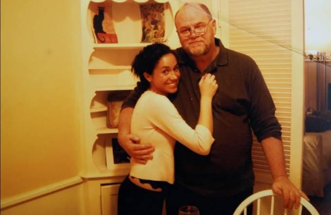 Meghan và bố Thomas thời chưa rạn nứt. Ảnh: The Sun