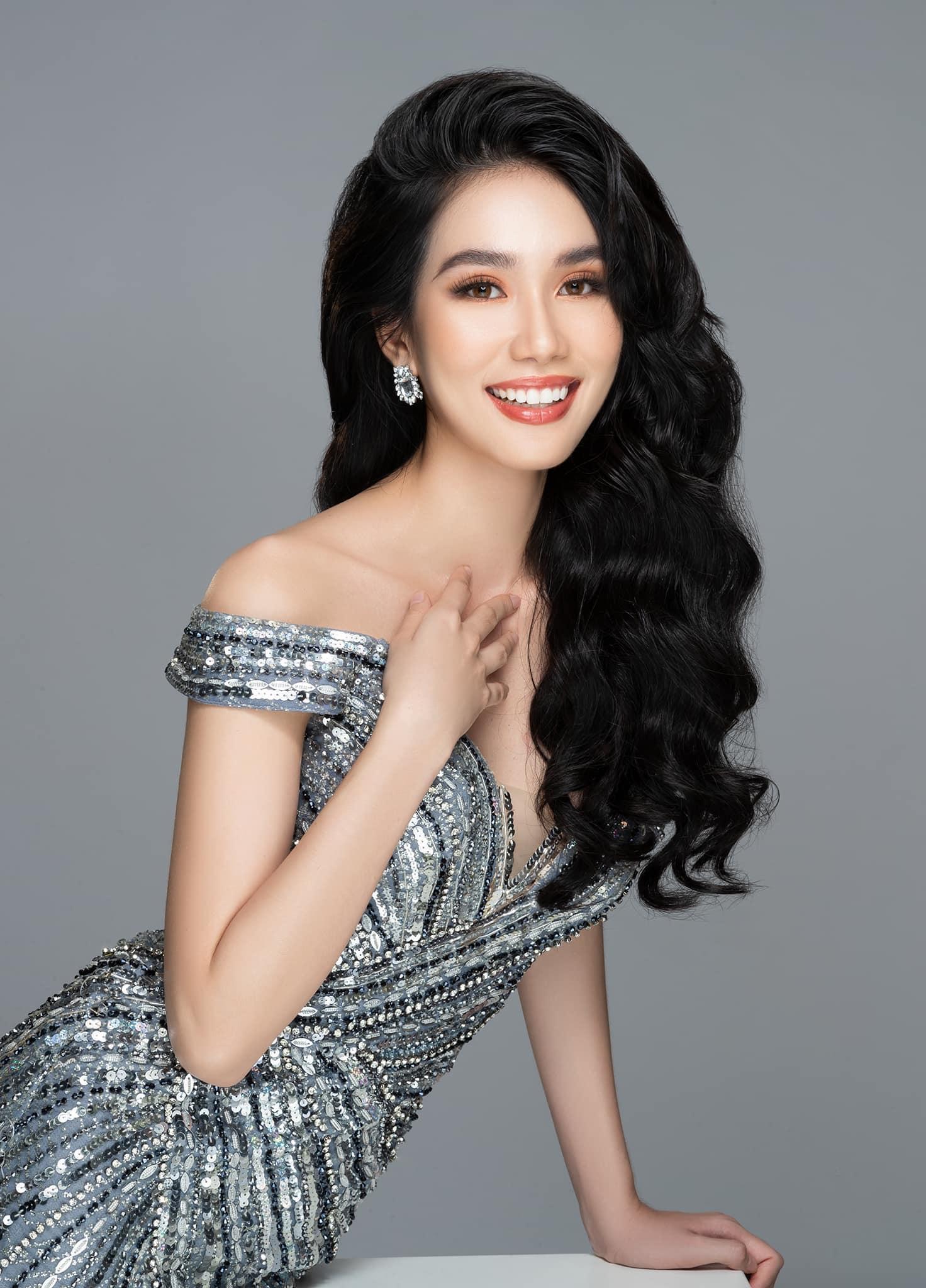 Á hậu 1 của Hoa hậu Việt Nam 2020 Phạm Ngọc Phương Anh sẽ là chiến binh tham dự Miss International 2021 (Hoa hậu Quốc tế), diễn ra vào cuối năm nay tại Nhật Bản.  sinh năm 1998, cô sở hữu chiều cao ấn tượng 1m77 và số đo ba vòng 87-61-93.