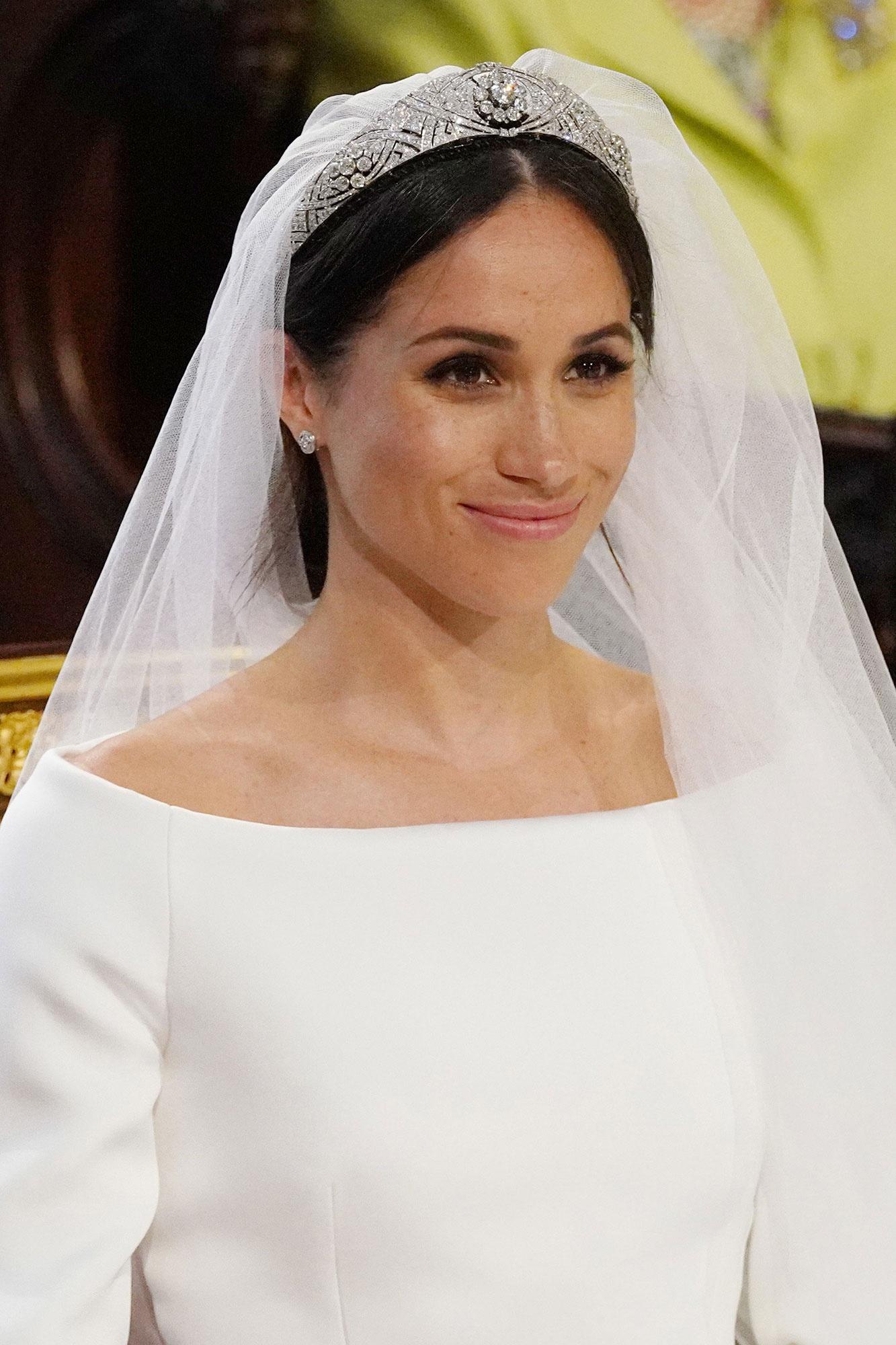 Meghan Markle đội vương miện trong ngày cưới. Ảnh: Getty