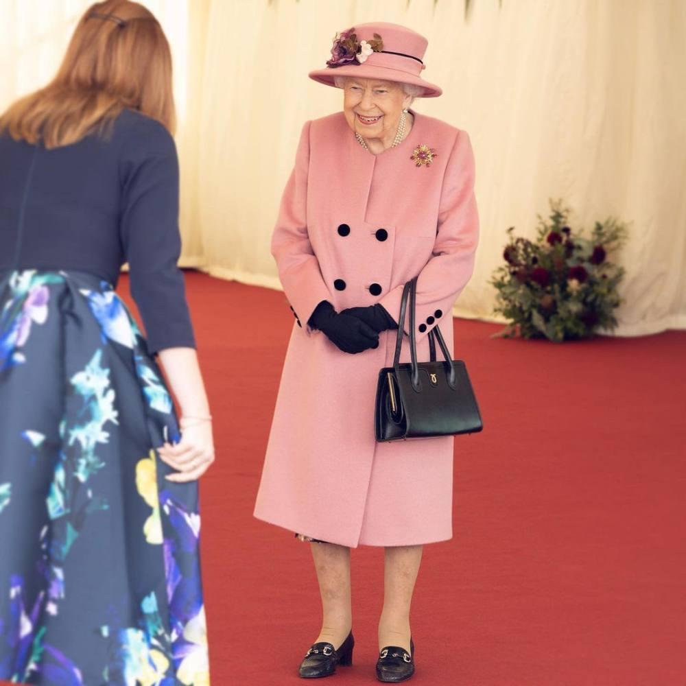 Vì sao Hoàng gia Anh có những quy tắc lạ thường này? - 3