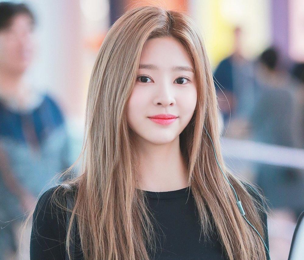 Kim Min Joo.