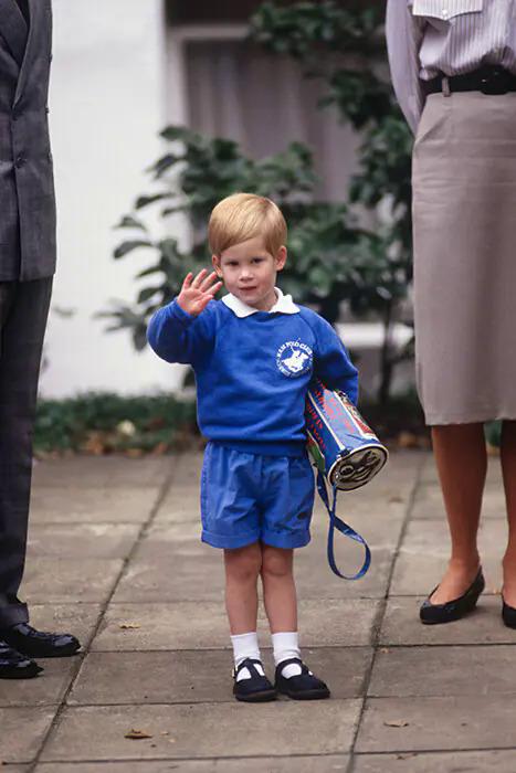 Những bức ảnh thời còn trẻ của người Hoàng gia Anh - 3
