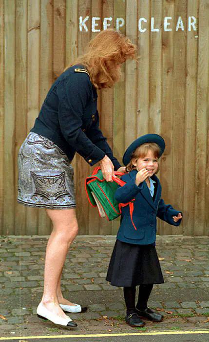 Những bức ảnh thời còn trẻ của người Hoàng gia Anh - 10