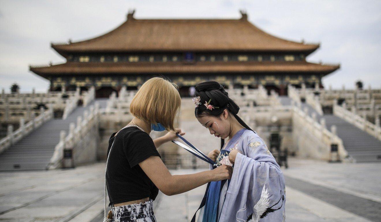 Nhiều người trẻ Trung Quốc quan tâm đến văn hóa truyền thống của Trung Quốc. Ảnh: EPA