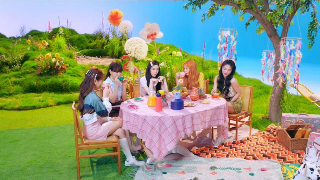 Bạn soi MV Queendom của Red Velvet kỹ đến đâu? - 6
