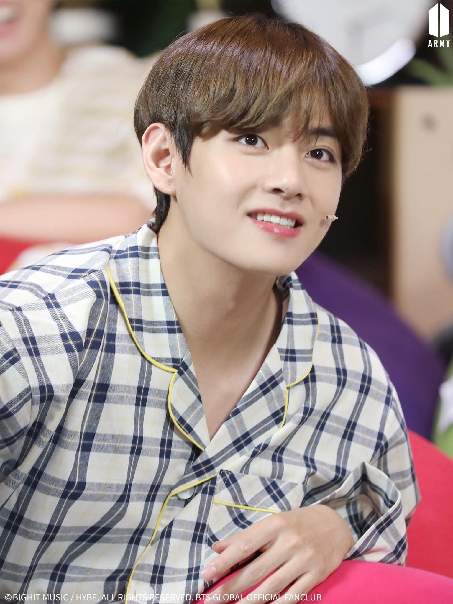 Ảnh mới của V (BTS) khiến fan ngỡ như thời gian bỏ quên suốt 3 năm - 1