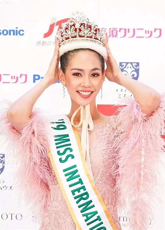 Đương kim Hoa hậu Quốc tế 2019 Sireethorn Leearamwat.