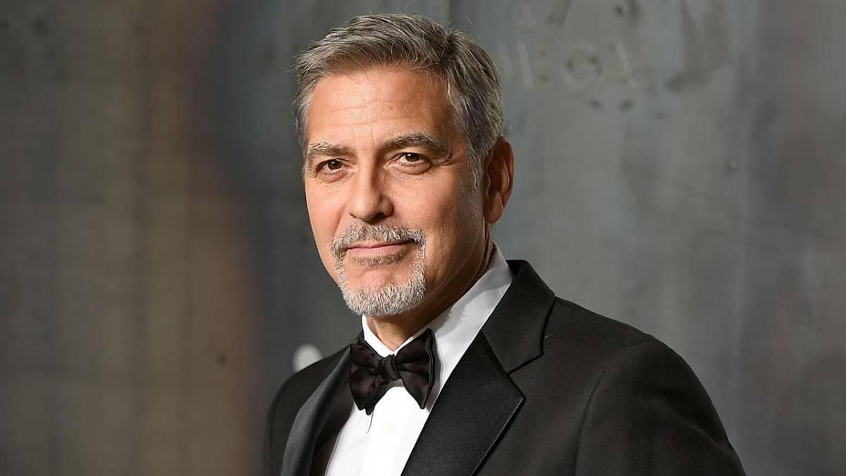 George Clooney vẫn điển trai dù đã bước qua tuổi 60.