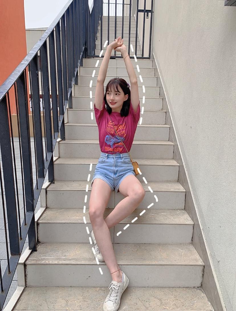 Những cách tạo dáng khoe chân dài tới nách - 11
