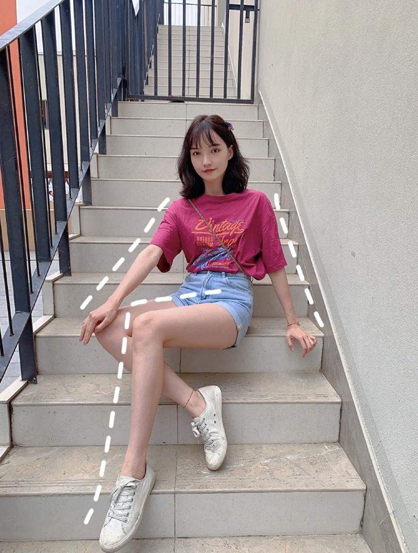 Những cách tạo dáng khoe chân dài tới nách - 13
