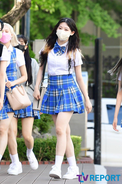 Se Eun có làn da trắng bóc nổi bật.