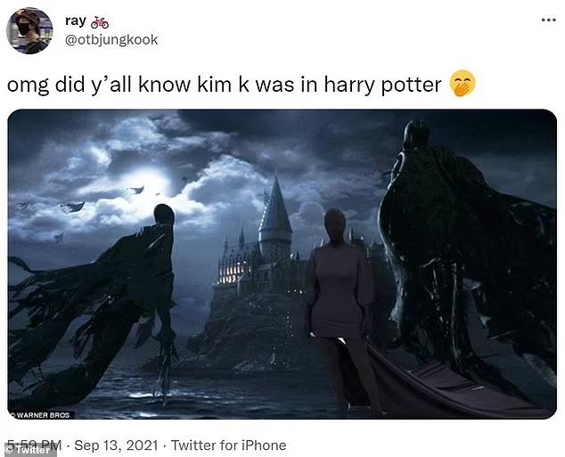 Kim bị chế thành meme trên Twitter. Một khán giả ghép ảnh cô bên cạnh các Dementor trong phim.