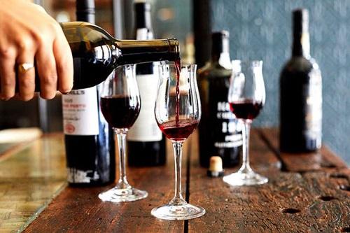 Trắc nghiệm: Bạn có thích uống rượu?