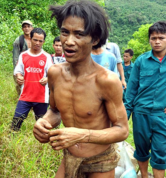 Người rừng Hồ Văn Lang thời điểm được đưa trở về cuộc sống văn minh vào năm 2013. Ảnh: Trí Tín.