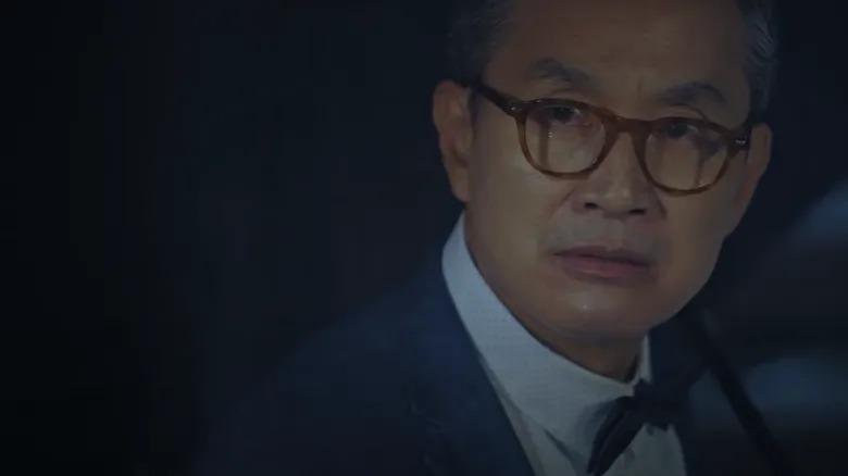 Cái chết của Cheon Myeong Soo (Jung Sung Mo thủ vai), bố đẻ Cheon Seo Jin cũng khiến khán giả rùng mình trước sự tha hóa của con người trước cám dỗ đồng tiền. Chỉ vì doạ sẽ tước quyền thừa kế của Cheon Seo Jin mà ông Cheon Myeong Soo đã bị chính con gái ruột mình bỏ mặc tới chết.