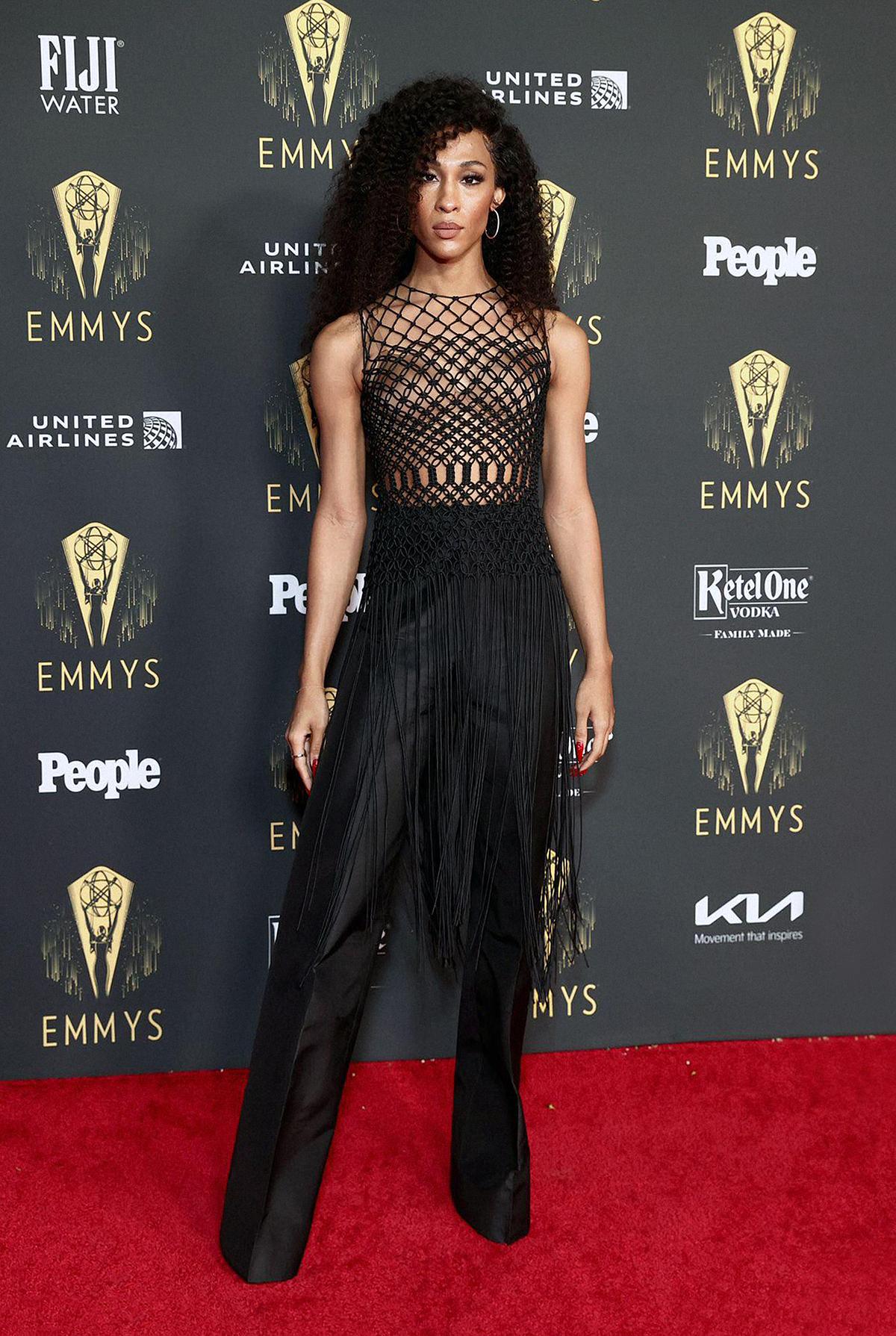 MJ Rodriguez tại tiệc hậu Emmy.