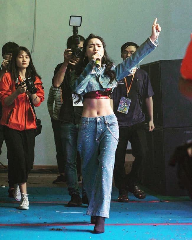 Vòng 2 của Hòa Minzy thời chưa mang bầu.