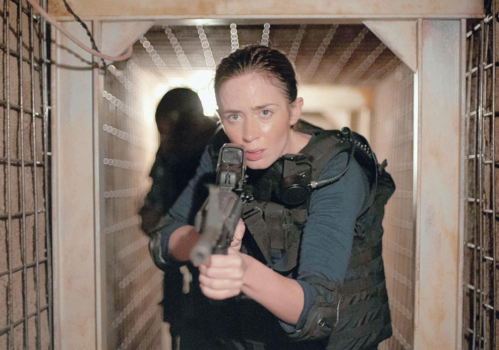 Emily Blunt vào vai FBI Kate Macer.
