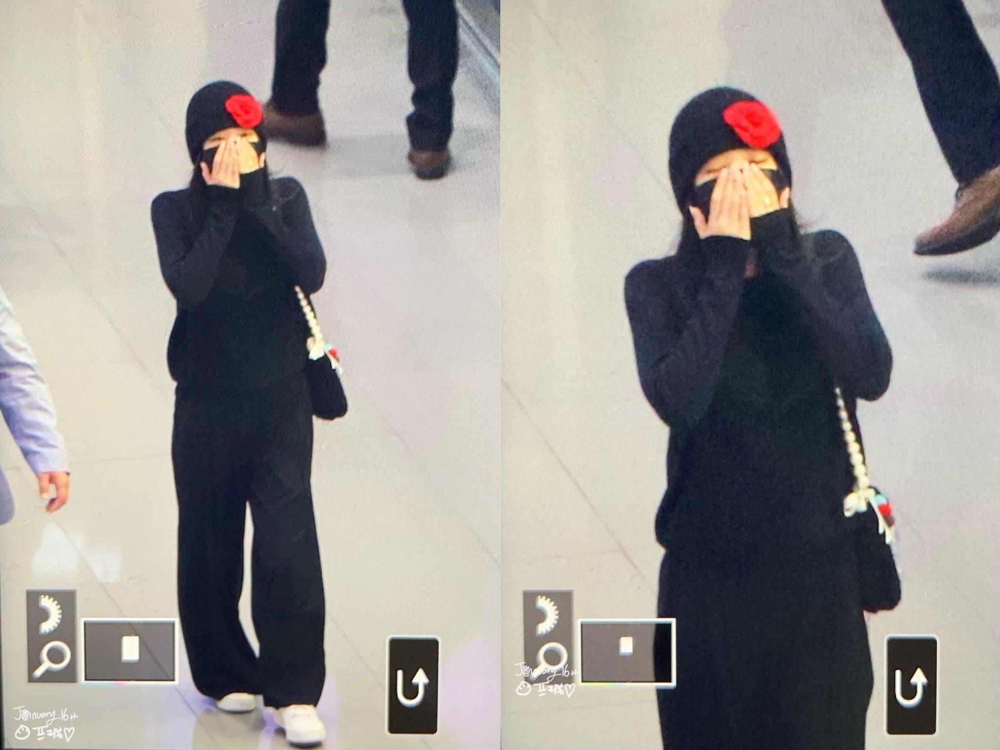 Jennie gửi nụ hôn gió đến các fan.