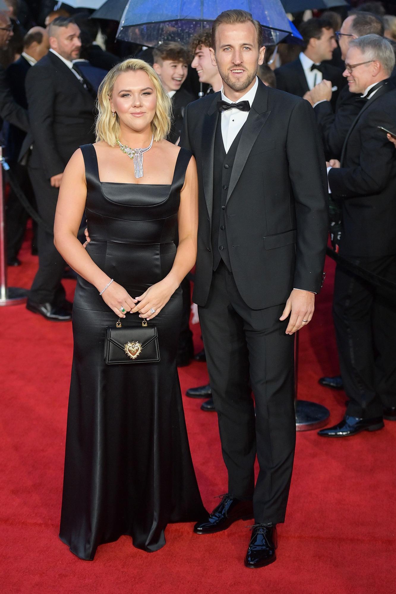 Vợ chồng cầu thủ Harry Kane - Katie Goodland.